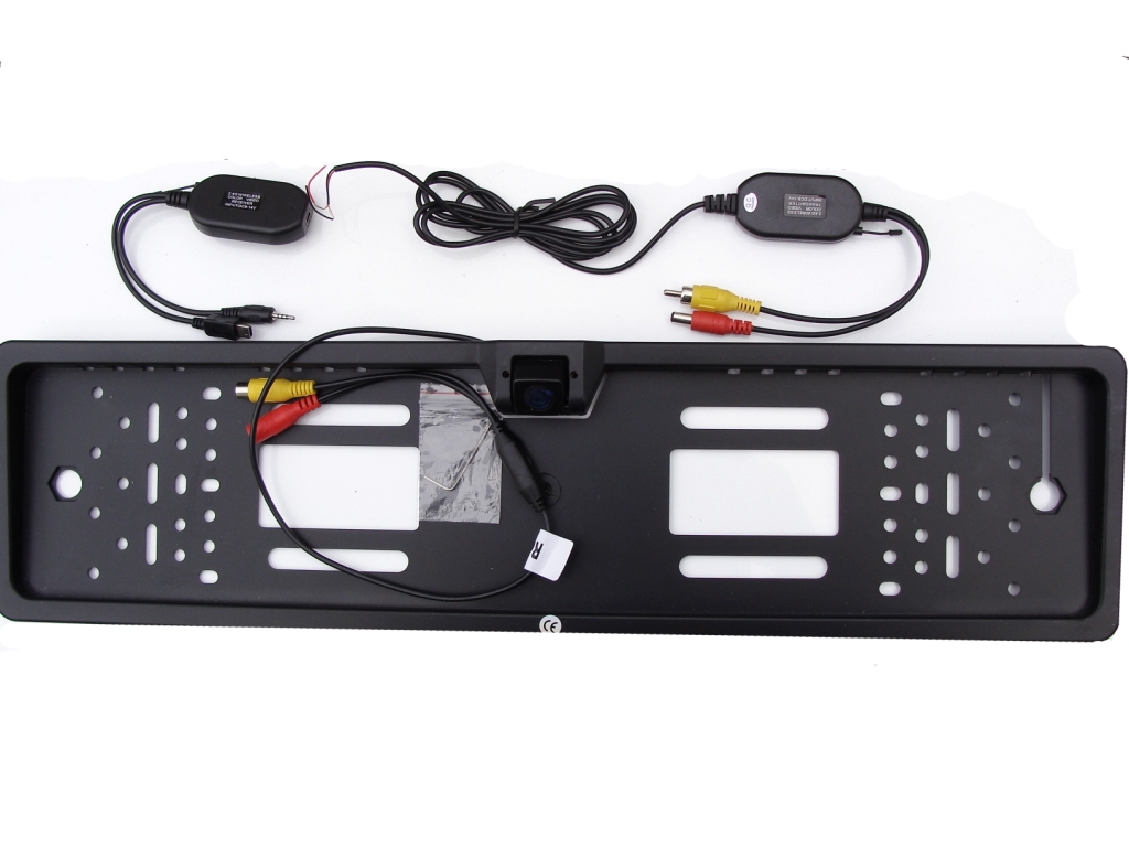 BEZPZEWODOWA KAMERA COFANIA W RAMCE TABLICY. GPS Model 2020
