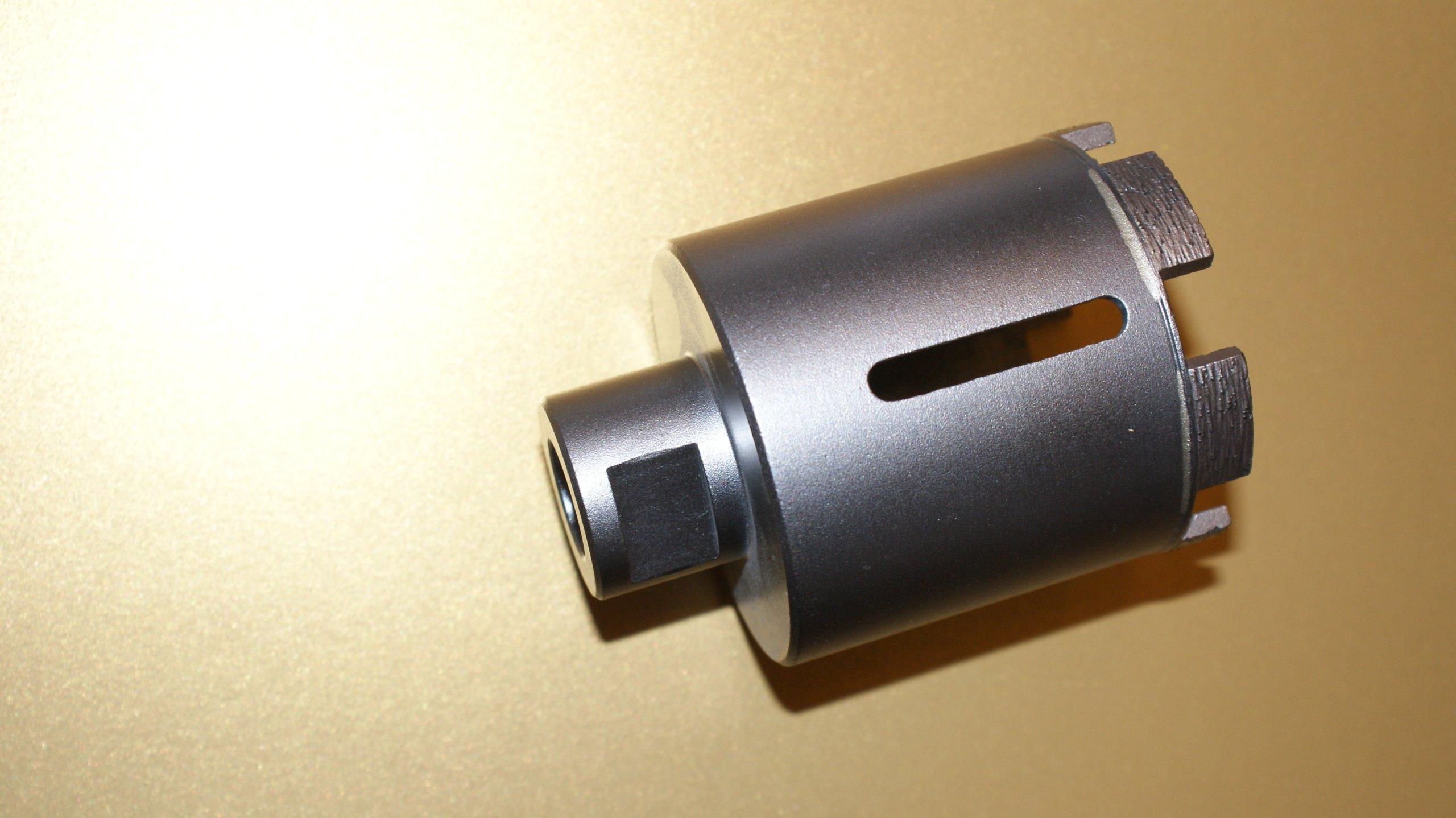 Otvor, diamantová čipka s priemerom 50 mm.