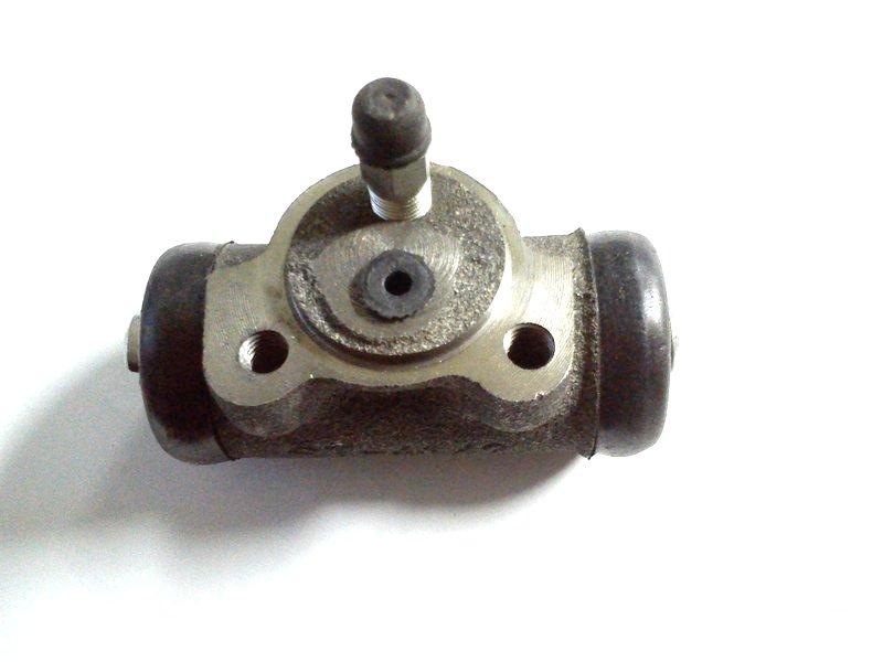 цилиндр тормозная система Жук люблин сзади