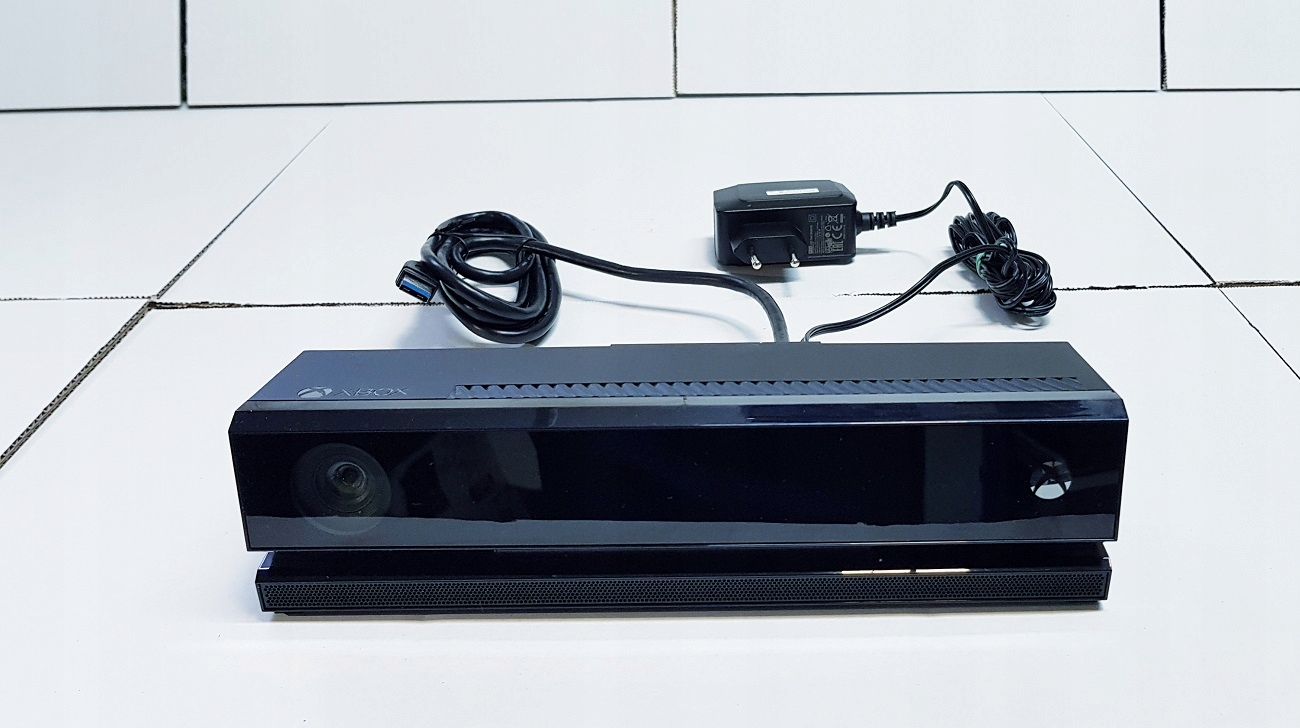 XBOX ONE S 1 ТБ Kinect Console 2x Pad + Игры Kinect Включены игры да