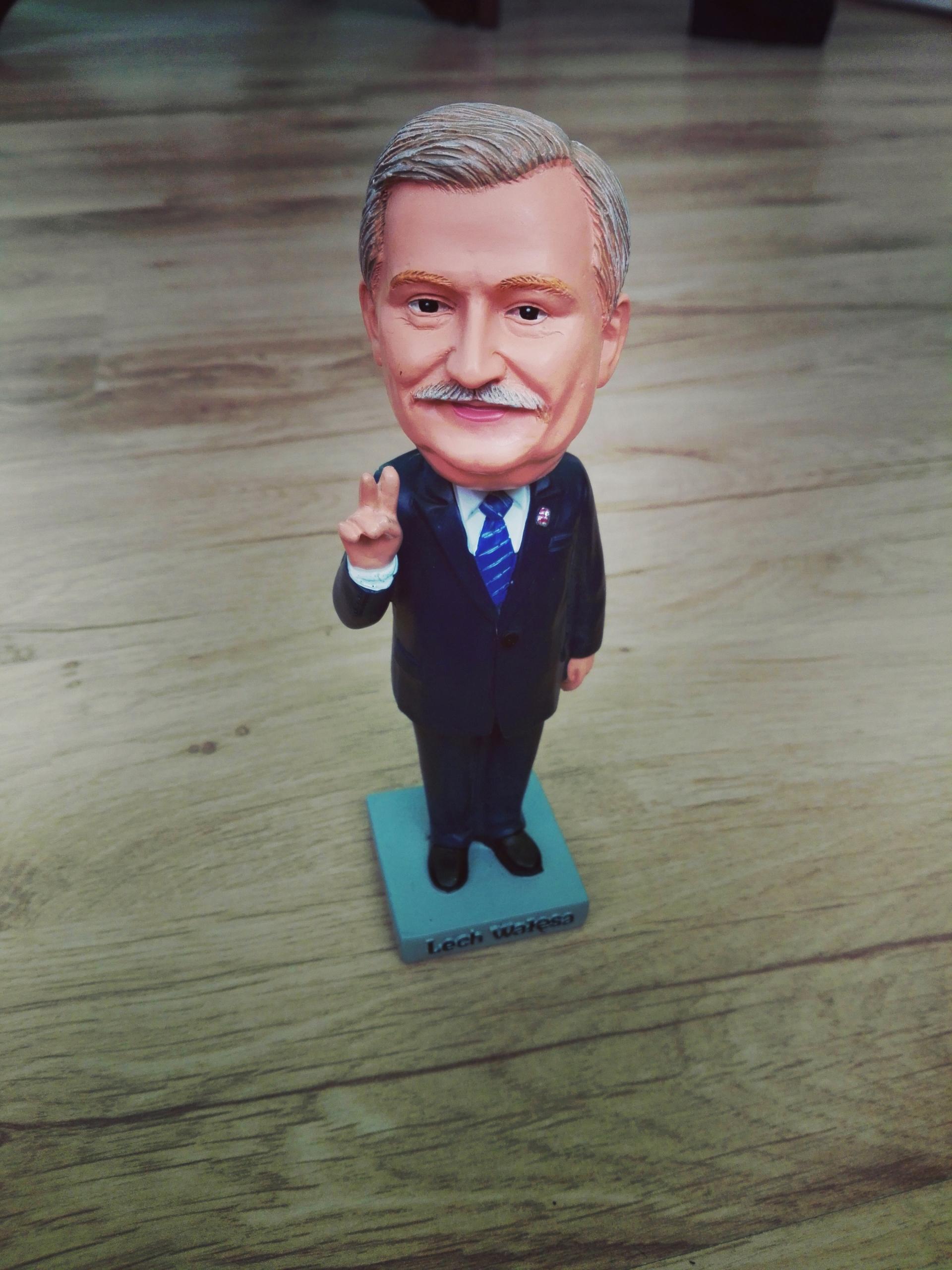 Статуэтка Президента, фигурка , подарок Лех Валенса