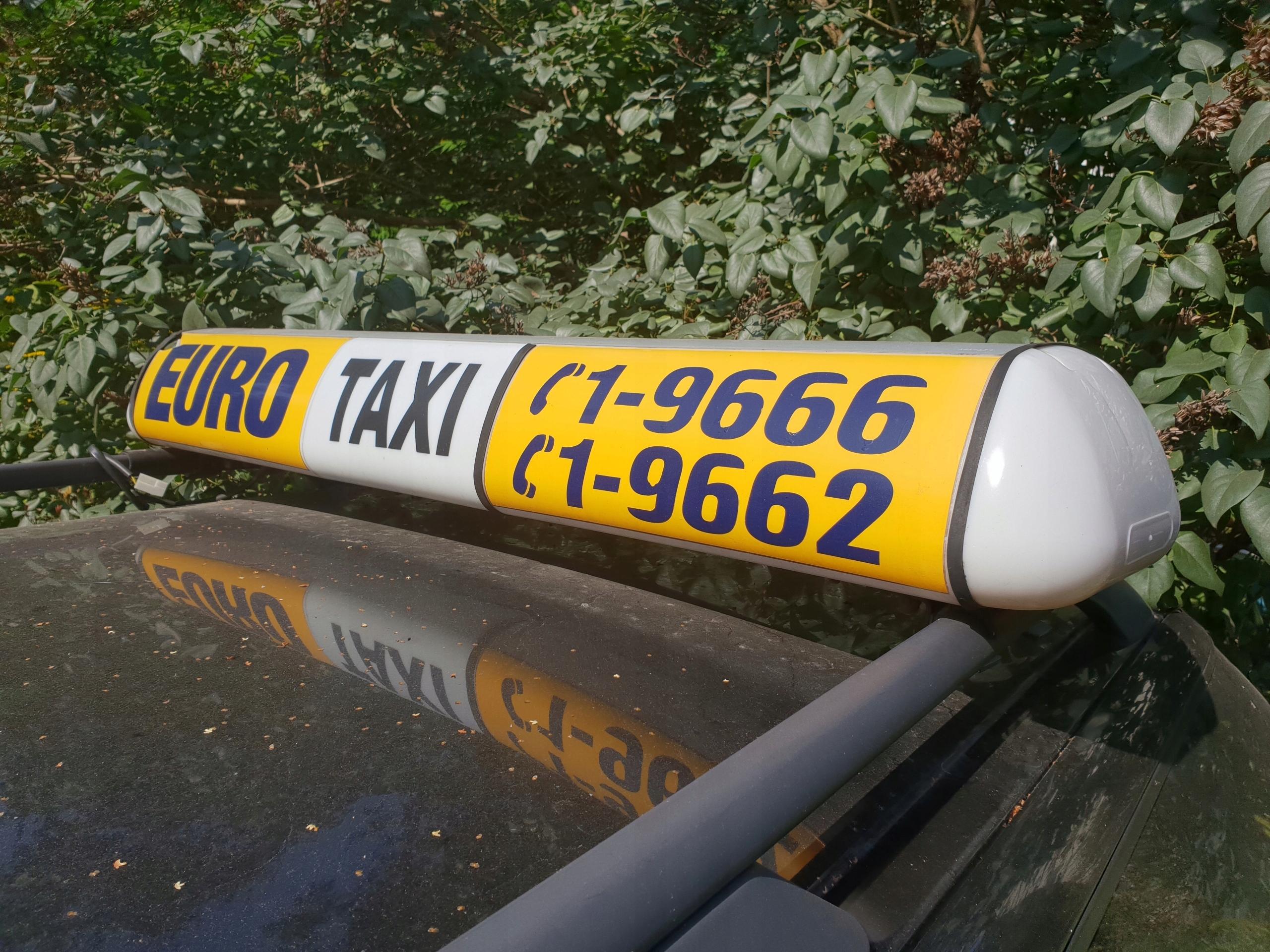Aktualne KOGUT TAXI Baton Euro GAPA LED mocowanie - 7525315221 - oficjalne VZ26