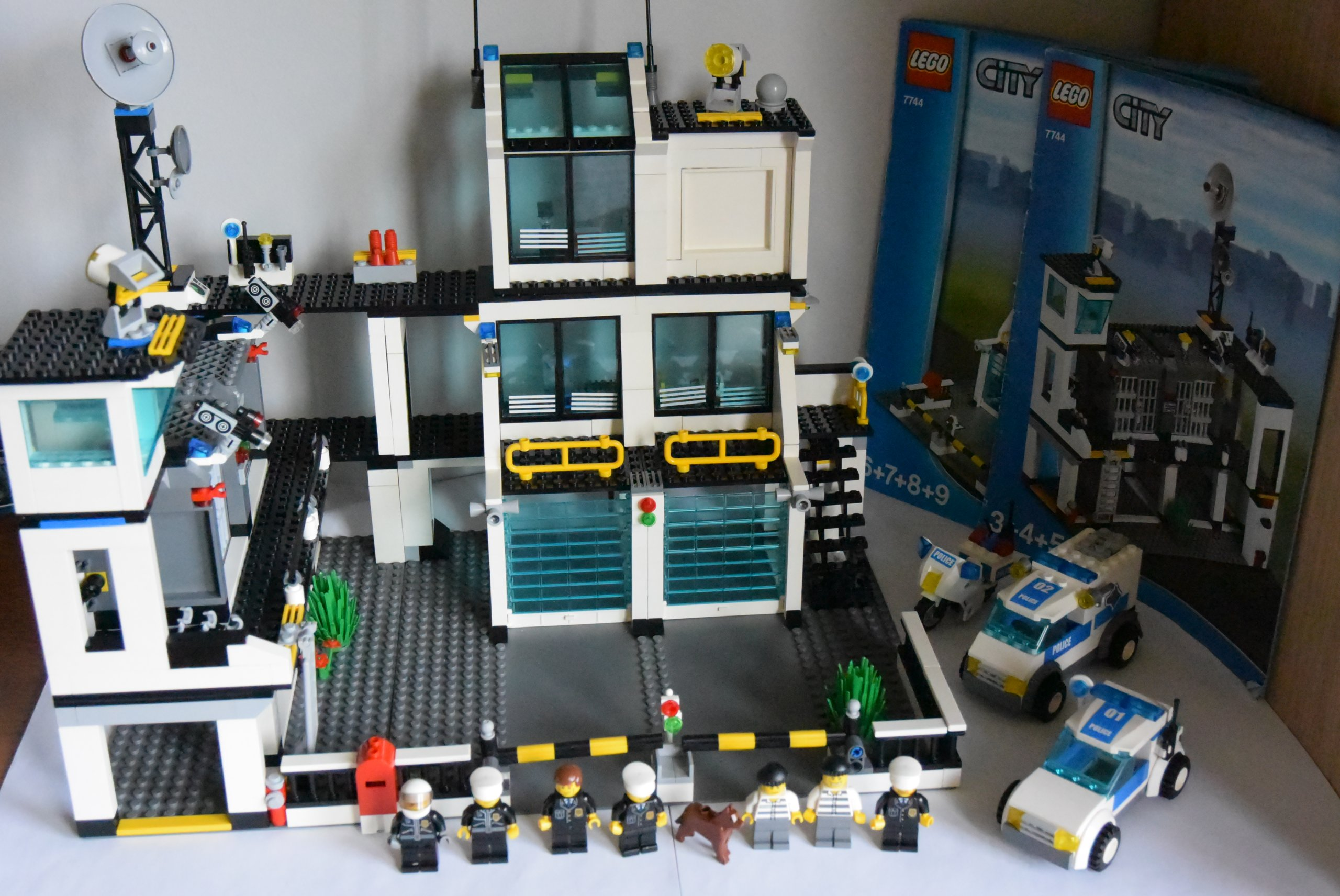Klocki Lego City 7744 Posterunek Policji 7346667240 Oficjalne