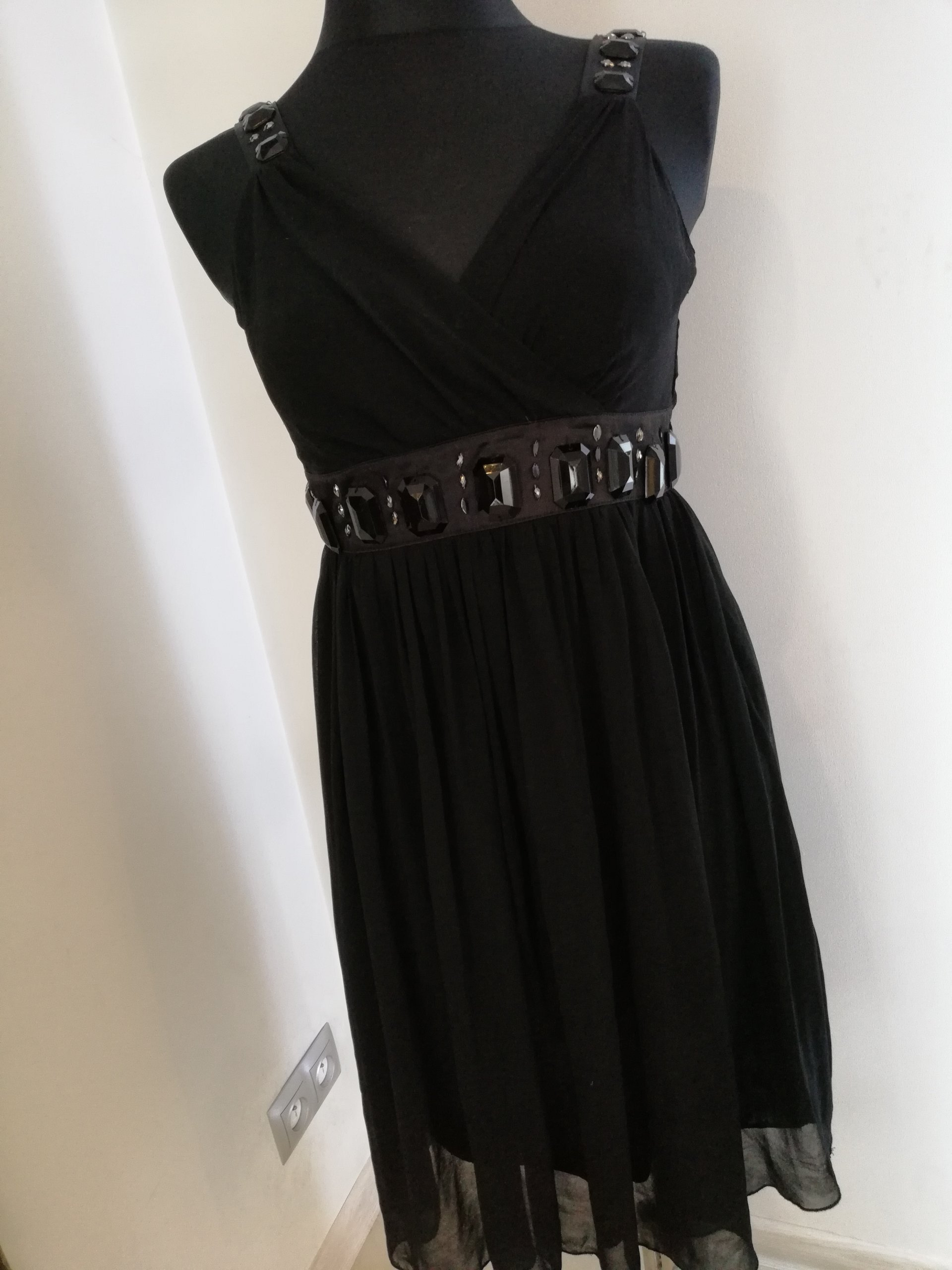 19d19dcf910c02 Śliczna Sukienka na każdą okazję roz.36 /38 TANIO - 7385000478 ...