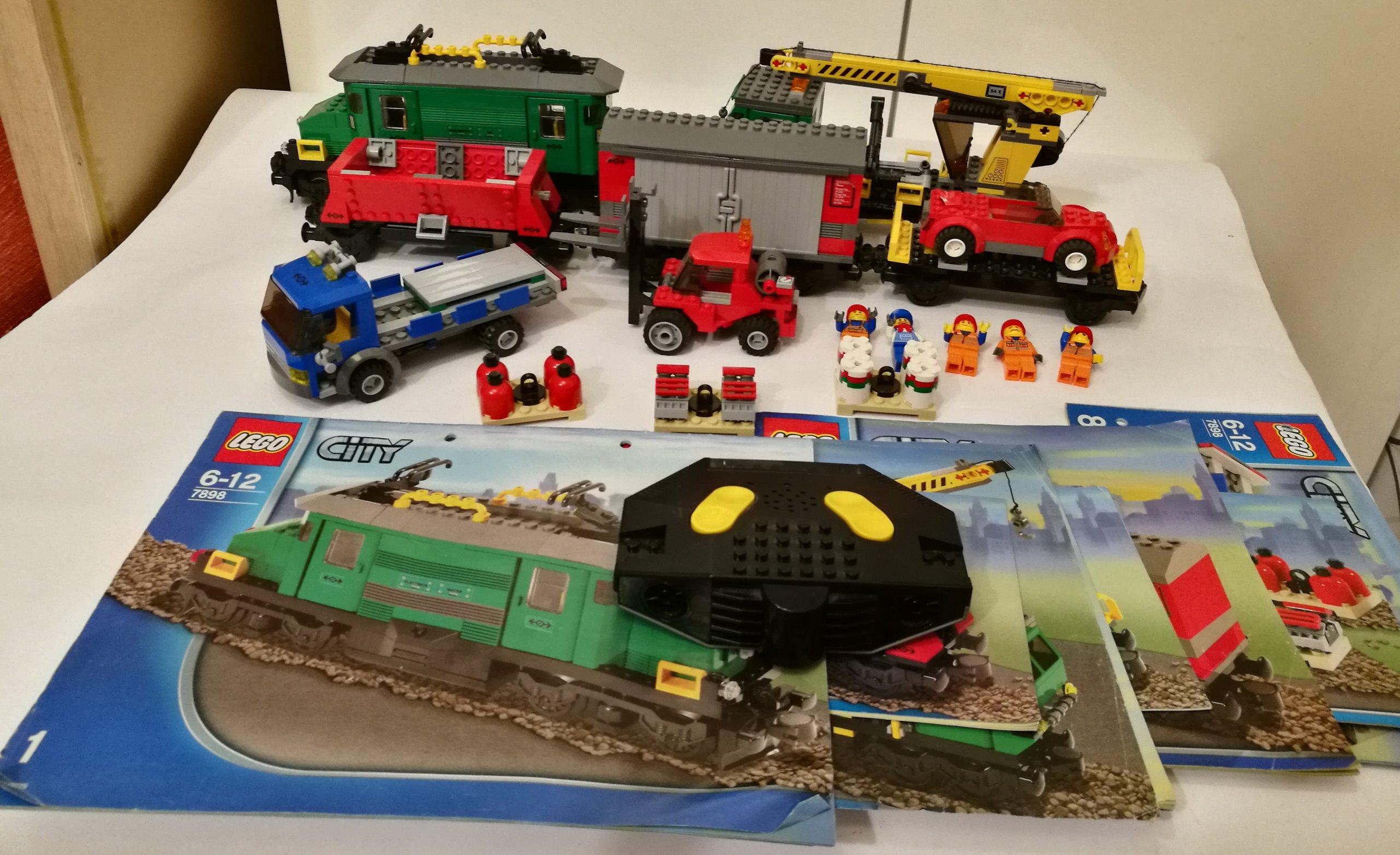 Lego City 7898 Cargo Train Deluxe Pociąg Towarowy 7070192808