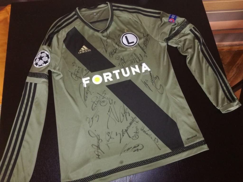 Koszulka Legia Warszawa z podpisami, charytatywnie