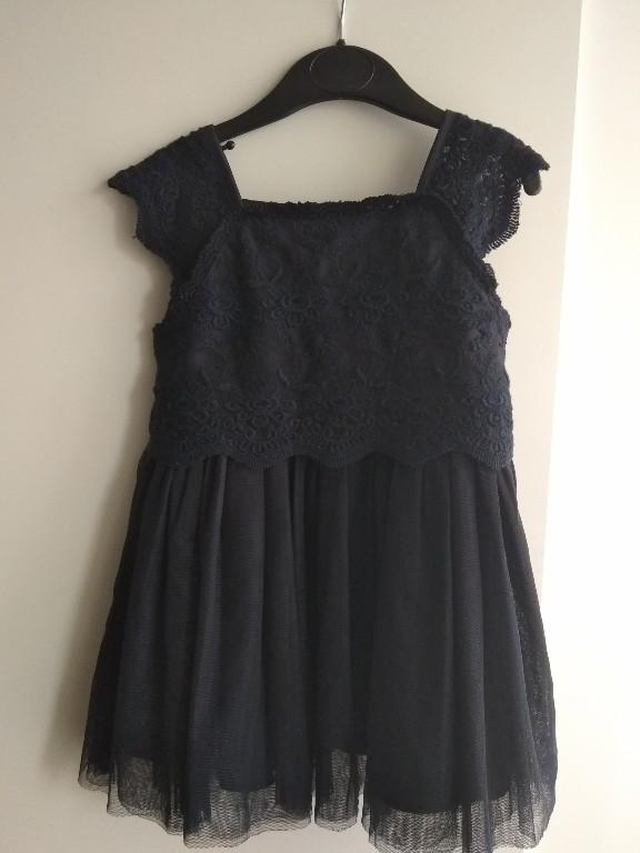 piękna granatowa,koronkowa sukienka