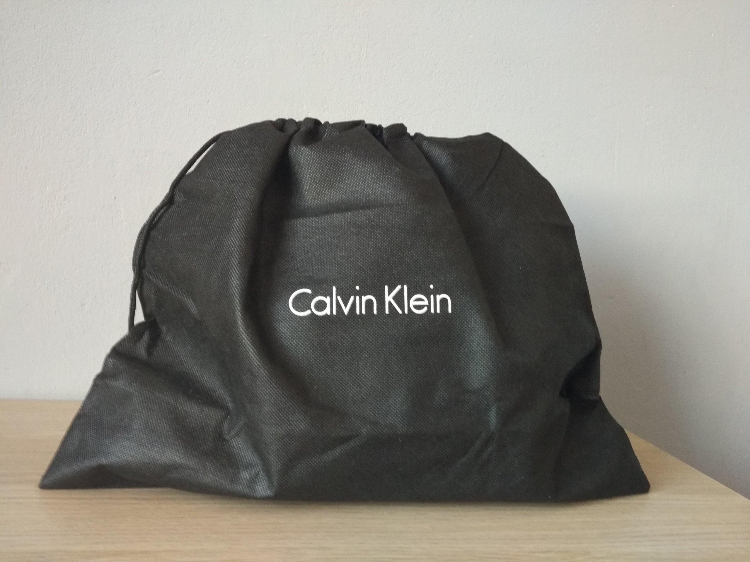 25096d281c4f2 Czarna Nowa Torebka Calvin Klein Zalando Oryginał - 7248394995 ...