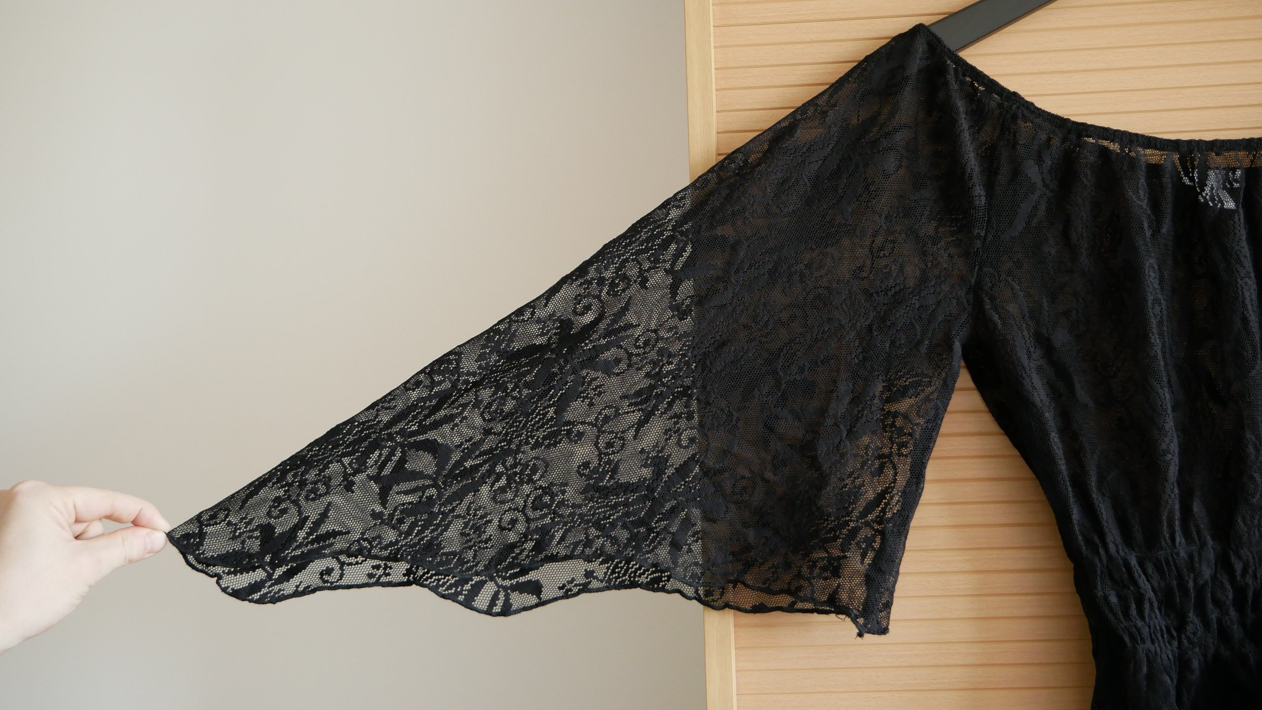 fe2313ea8f Czarna koronkowa bluzka hiszpanka gotycka - 7287489972 - oficjalne ...
