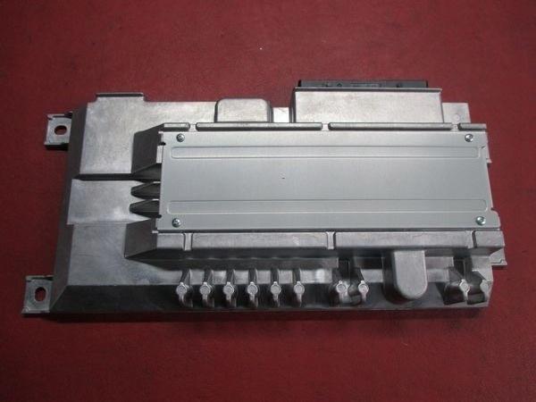 AUDI TT 8S 16R WZMACNIACZ 8S0035466A