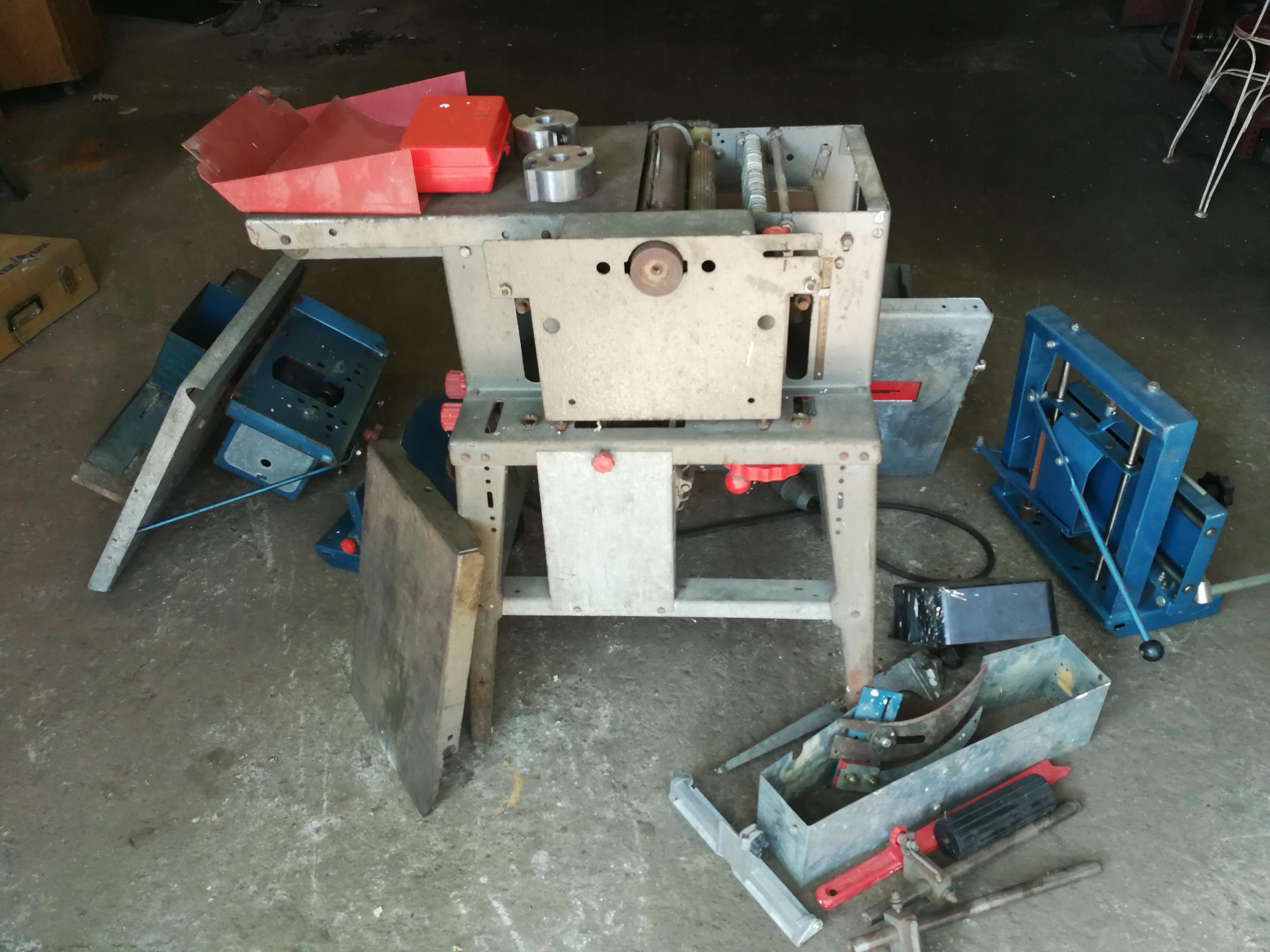DYMA 8 - Maszyna do obróbki drewna.