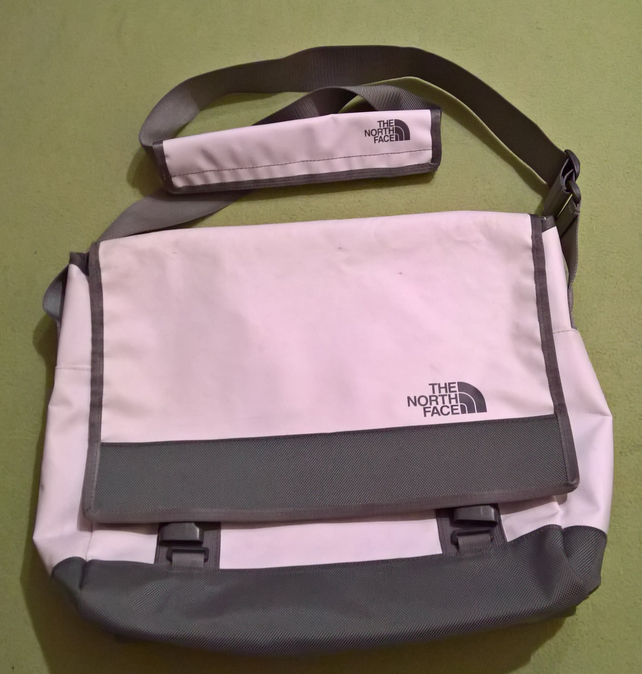 THE NORTH FACE BASE CAMP MESSENGER BAG M TORBA - 7229880076 ... 23510bad20a45