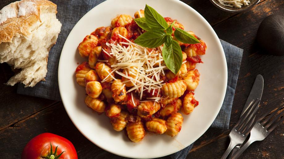 Jak przygotować i z czym podawać gnocchi? – poznaj smak kuchni włoskiej
