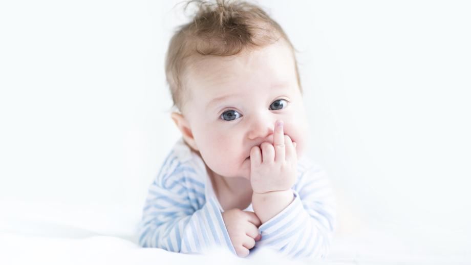 Jak pielęgnować włosy niemowlaka?