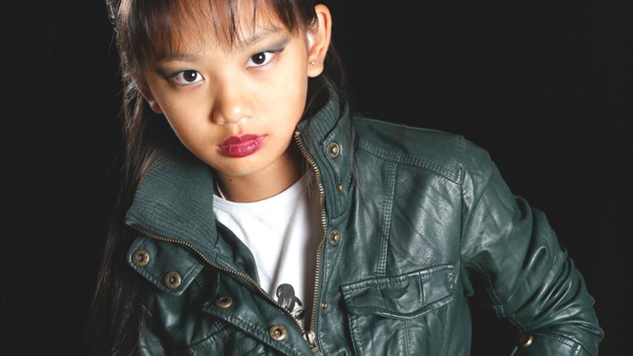 Mała lady punk – ćwieki i kratka