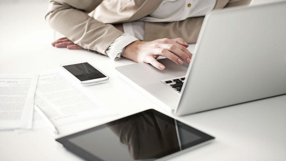 Laptop Czy Tablet Wady I Zalety Obu Urzadzen Allegro Pl