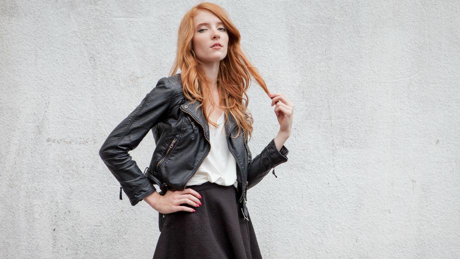 be2bbfbd2fbf1f Styl basic – 5 ubrań, które musisz mieć w swojej szafie - Allegro.pl