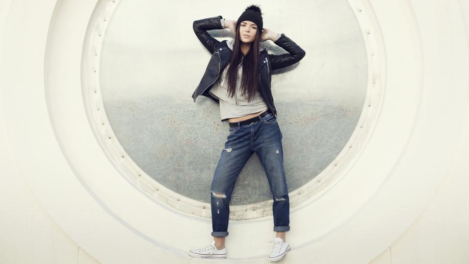 3ea9c029 Modne jeansy na jesień – jaki model wybrać - Allegro.pl