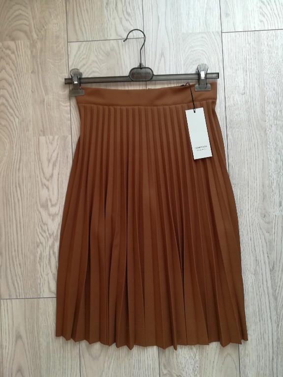 Rozkloszowana spódnica midi w kolorze karmelowym , kolor