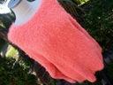 jaskrawy włochaty sweterek