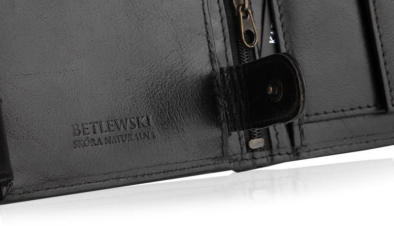 2a2ccb3cb8235 Skóra z której wykonano portfel jest dość gruba i sztywna. Z czasem portfel  dopasuje się