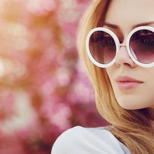 Okulary sportowe na lato. Wakacyjny niezbędnik | Optyk Polski