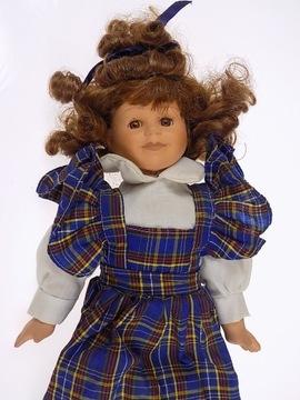 zbierky krásnej keramickej bábiky
