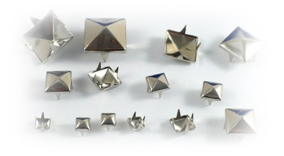 cs013 острое БЛЕСТКИ piramidka C .серебро 7мм 50шт