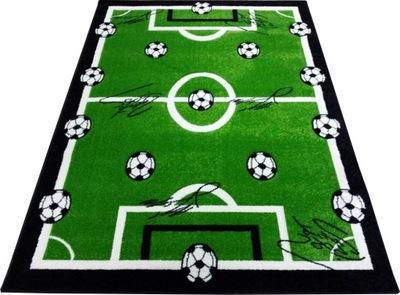 Koberec do detskej izby - 3D koberec ihrisko UEFA FIFA 200x290hop zelená guľa