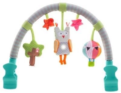 Závesná hračka do postele - TAF HRAČKY HUDOBNÝ BOW NA VOZÍKU S VLASTNOU HRAŤOU