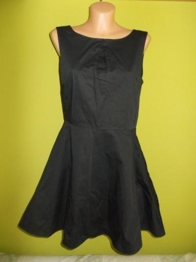 Sukienka rozkloszowana z koła czarna Vero Moda 36